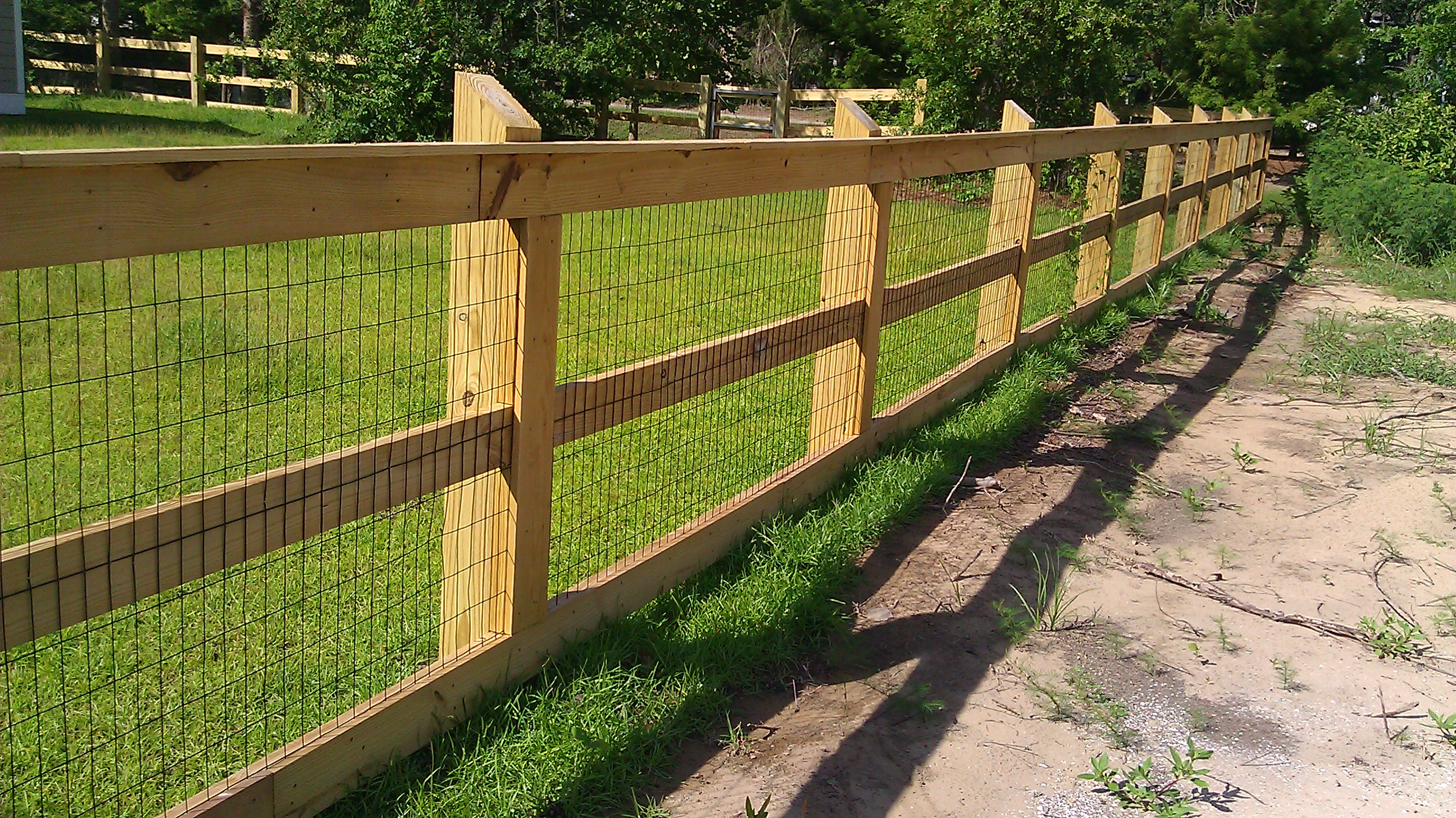 wood wire fence interiors design